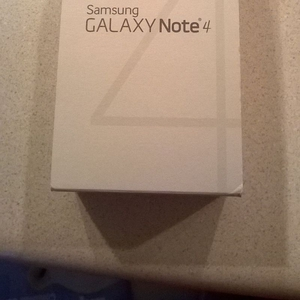 Новый Samsung Galaxy Note 4, Apple iPhone 6, Sony xperia Z3
