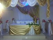 свадебное оформление президиума молодоженов,  акжол стойки с цветами